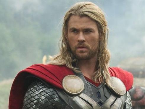 Thor perdió sus músculos y luce irreconocible