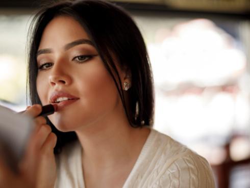 ¿Tienes la piel seca? ¡Estos son los cosméticos que debes evitar usar!