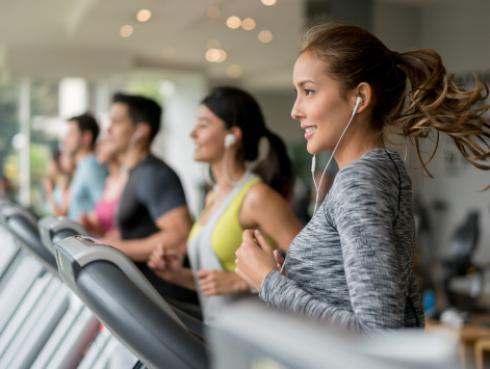 ¿Tienes tendencia a engordar? ¡Con estos ejercicios te mantendrás en forma!
