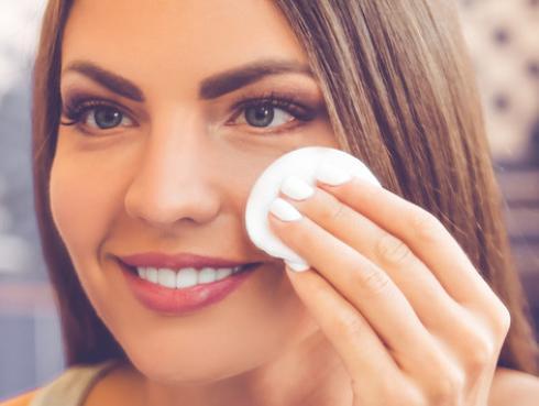 Tip para exfoliar y eliminar las manchas del rostro
