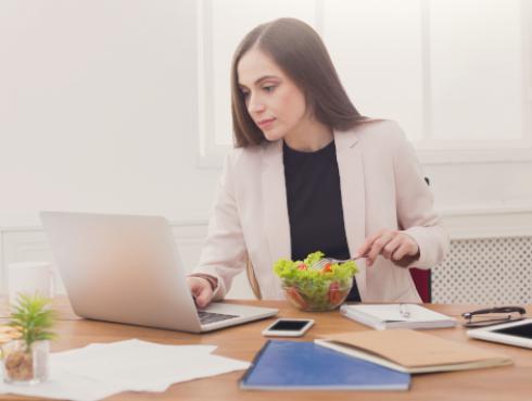 Consejos para cuidar tu peso en la oficina