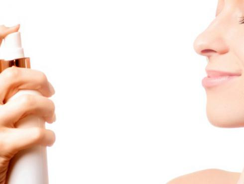 Mantén tu piel hidratada con sprays