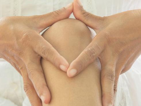 Previene las rodillas envejecidas con estos tips