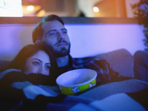 Ver películas de terror con tu pareja fortalece la relación
