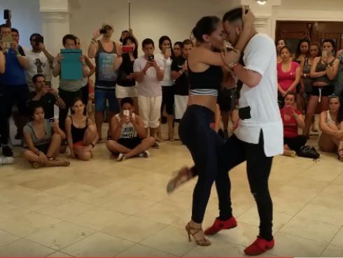 Video viral de 'Qué bonito' te enseña a bailar bachata
