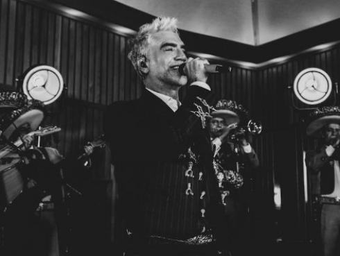 ¡Ya está en nuestras manos! Conoce todos los detalles de Hecho en México, el nuevo álbum de Alejandro Fernández