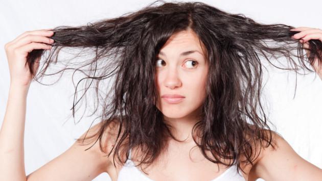 3 aceites naturales para recuperar tu cabello dañado