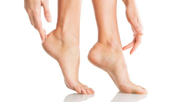 3 remedios caseros naturales para eliminar los hongos de los pies