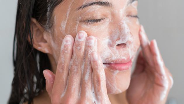 5 tips para exfoliar tu piel sin maltratarla