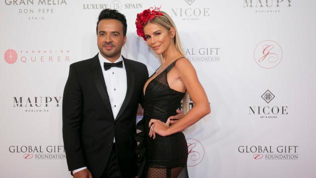 Esposa de Luis Fonsi presumió su cuerpazo durante sus vacaciones