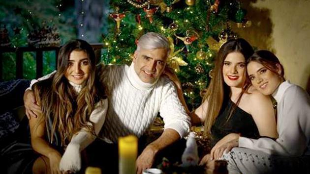 Alejandro Fernández y sus hijas comparten conmovedora versión de 'Blanca Navidad'