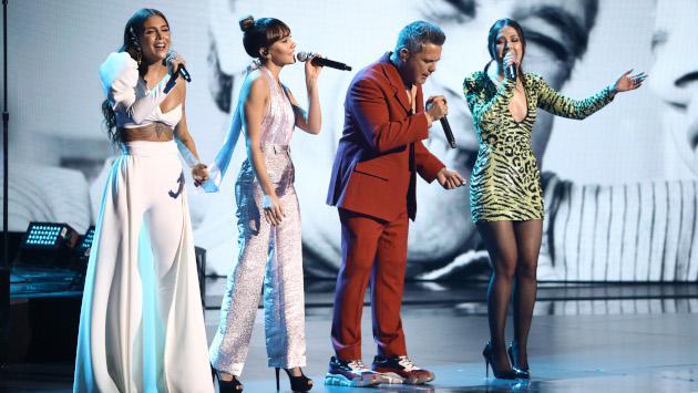 Alejandro Sanz y Greeicy cantaron juntos 'Mi persona favorita' en los Latin Grammy 2019