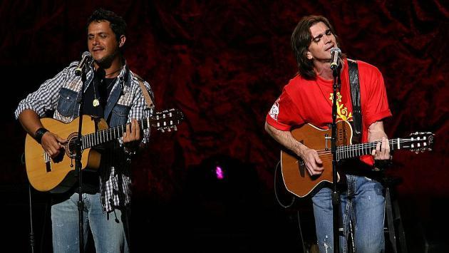 Alejandro Sanz y Juanes ofrecieron concierto online por avance del coronavirus
