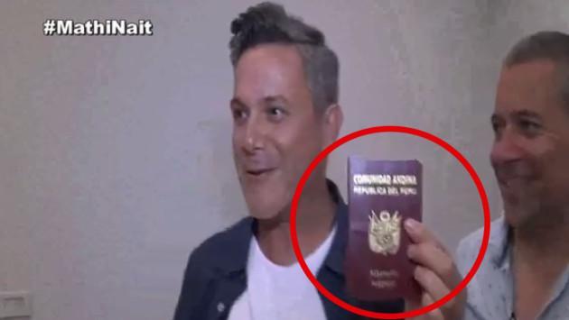 Alejandro Sanz recibió pasaporte peruano
