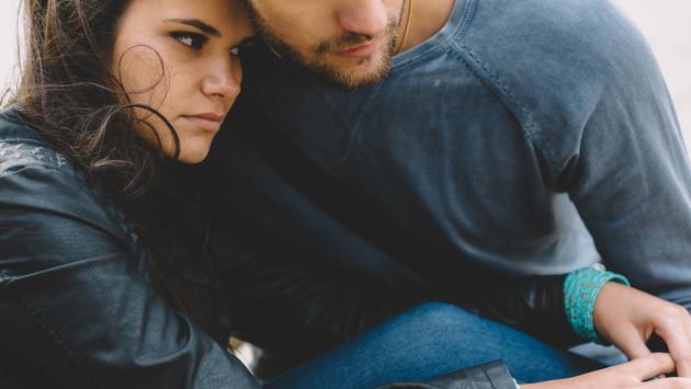 ¿Alguna vez comenzaste una relación solo por olvidar a tu ex pareja?