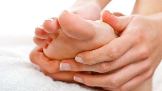 Aprende a calmar los dolores masajeando tus pies