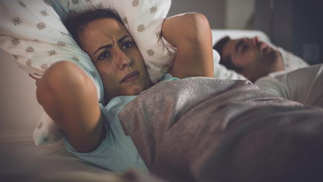 Así afectan los ronquidos a tu relación de pareja