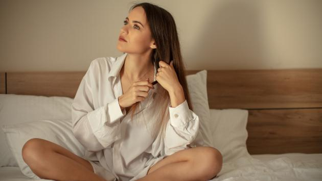 ¡Así de placentero es dormir con la ropa de tu pareja!