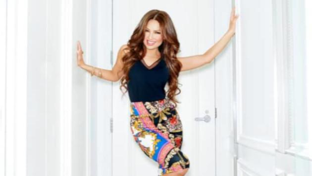 Así de sexy luce Thalía en la oficina