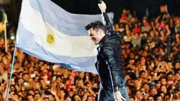 Axel apoya a equipos latinos en la Copa del Mundo