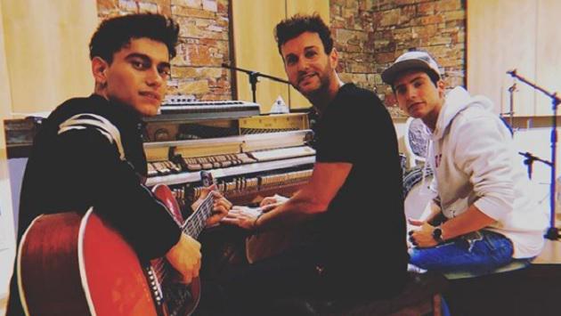 ¿Axel prepara nueva música con este dúo?