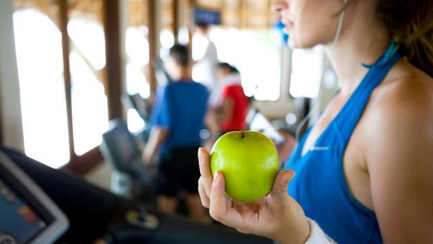 Bajar de peso: ¿es más importante comer menos que hacer ejercicio?