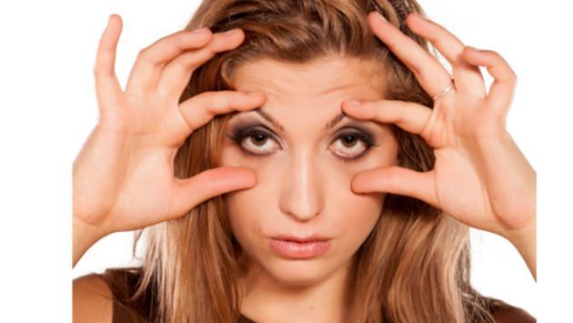Resultado de imagen para mujer con ojeras