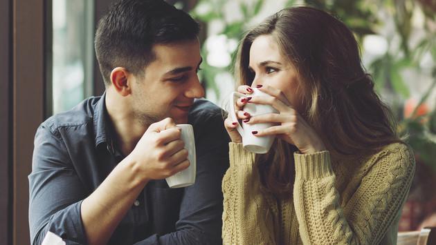 ¿Cómo reaccionarías si te encuentras con tu primer amor de colegio?