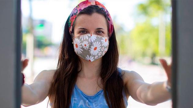 ¿Cómo se debe hacer una mascarilla de tela para que sea efectiva?