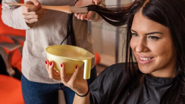 ¿Cómo teñirte el cabello en casa sin problema?