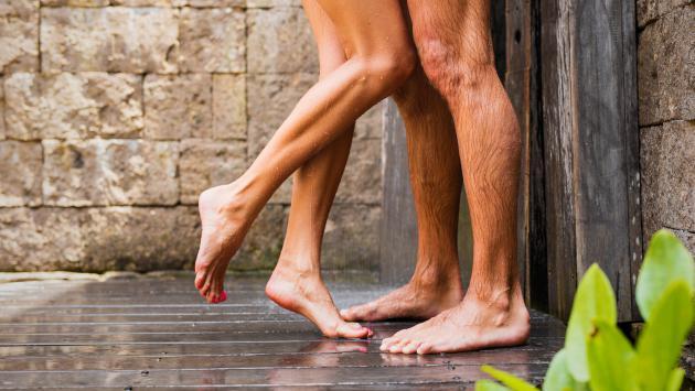 ¡Conoce los beneficios de bañarte con tu pareja!