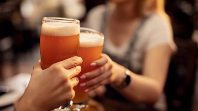 Crean cerveza saludable para el consumo humano