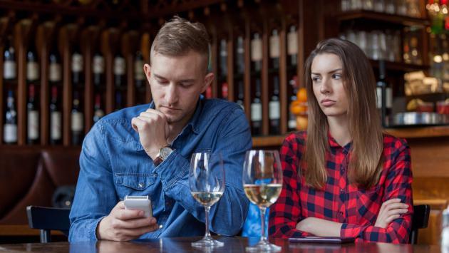 ¡Cuidado! Estos son los lugares más comunes donde puede surgir una infidelidad