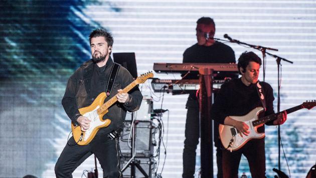 Juanes comparte foto con su hijo