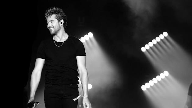 David Bisbal enamora a sus fans al cantar el himno de España