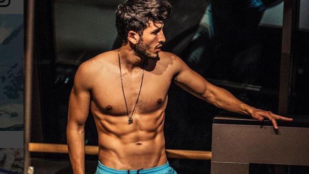 Caliente striptease de Sebastián Yatra y Gianluca que terminó calentando las redes