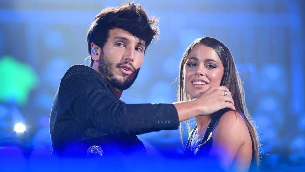 El tierno momento de Sebastián Yatra y Tini Stoessel en concierto