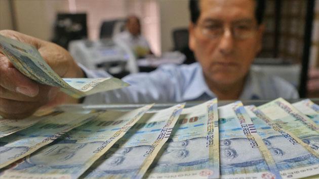 Mira en qué casos las empresas en Perú podrán reducir tu sueldo