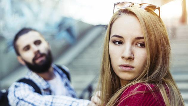 ¿En qué momento debes ser fuerte e ignorar a esa persona?