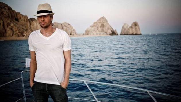 Enrique Iglesias muestra su lado más paternal