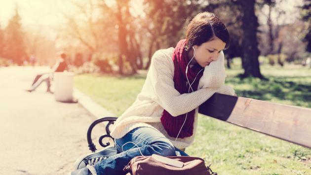 Escuchar canciones tristes te ayudarán a superar una ruptura amorosa