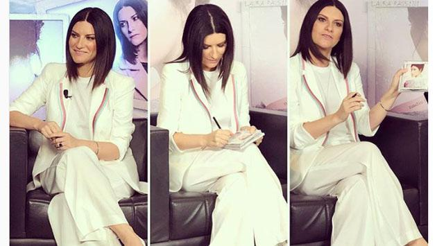 Estos son los mejores looks de Laura Pausini
