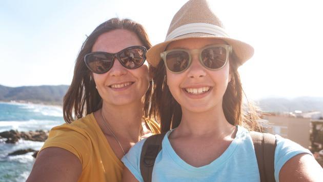 Estos son los motivos por los que debes viajar con tu mamá al menos una vez al año