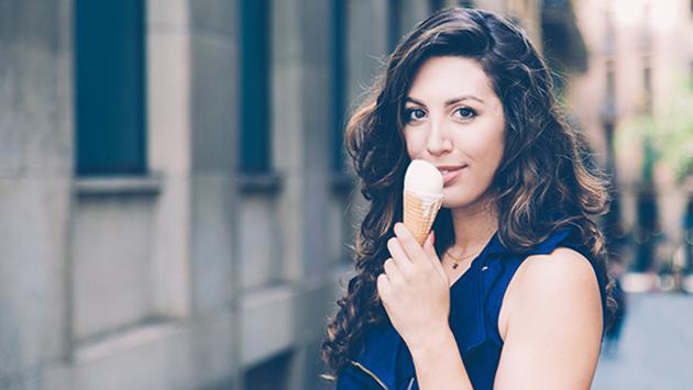 Estudio revela que desayunar helado te haría más inteligente