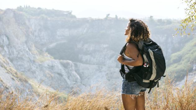 Estudio revela que las mujeres que invierten en viajes son las más inteligentes