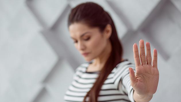 Estudio revela que mientras más sincera y honesta seas, tendrás menos amistades