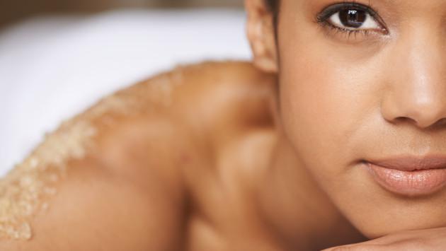 Exfoliante casero de verano para el rostro y cuerpo