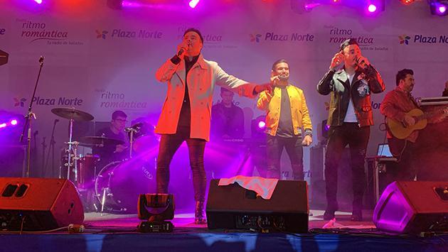 Ezio Oliva y Río Roma cantaron juntos en el Festival de Baladas