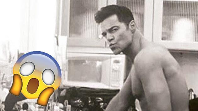Fotografiaron a Ricky Martin mientras se borraba tatuaje en zona íntima. ¿Adivina dónde?