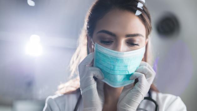 ¡Cuidado! Guantes y mascarillas podrían convertirse en un foco infeccioso de coronavirus